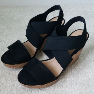 AMERICAN EAGLE Black/Cork Wedges